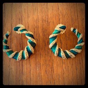 Vintage Avon gold/enamel hoop earrings